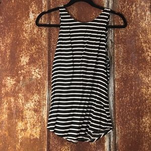 Old Navy black and white tank top